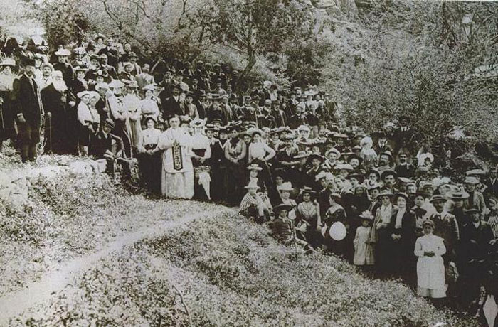 Pilgrims at the House of Virgin Mary, Ephesus (around 1900-1901)